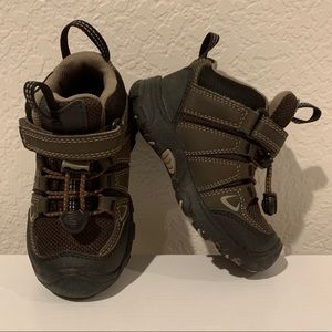 Keen toddler hiking shoes